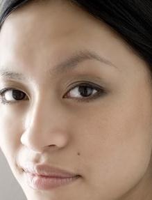 <b>Thuy Duong</b> Nguyen ist in Vietnam geboren und früh nach Deutschland <b>...</b> - Thu-Dong